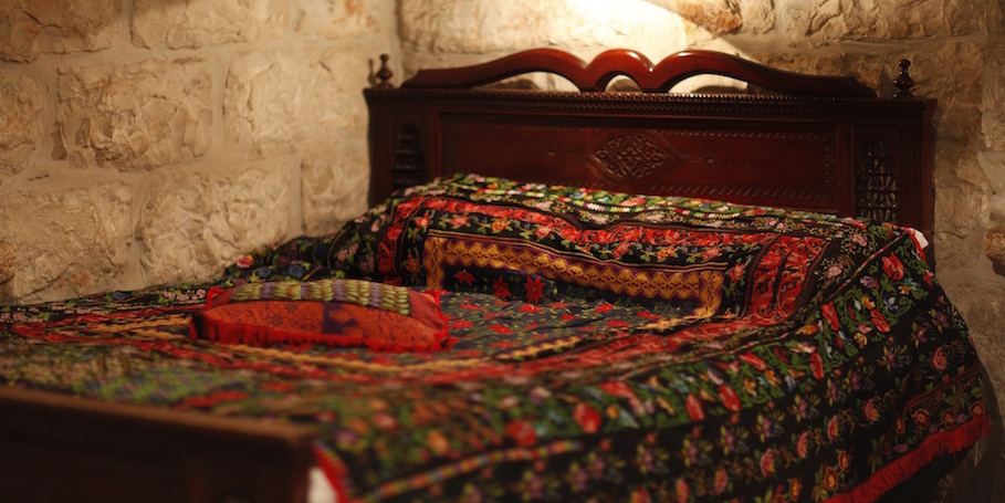 image-bed-1